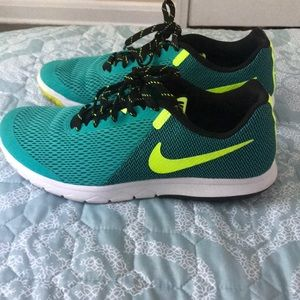 Nike running shoes 8.5